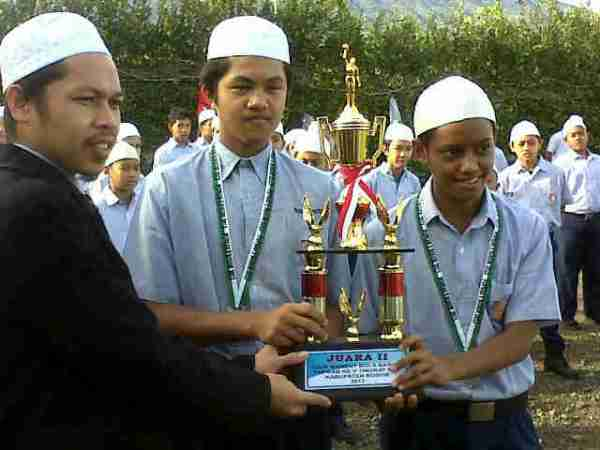 Alhamdulillah, ekskul basket menambah prestasi juara 2 tingkat smp  se kab. Bogor. Selamat ya..insyaallah yg lain menyusul.